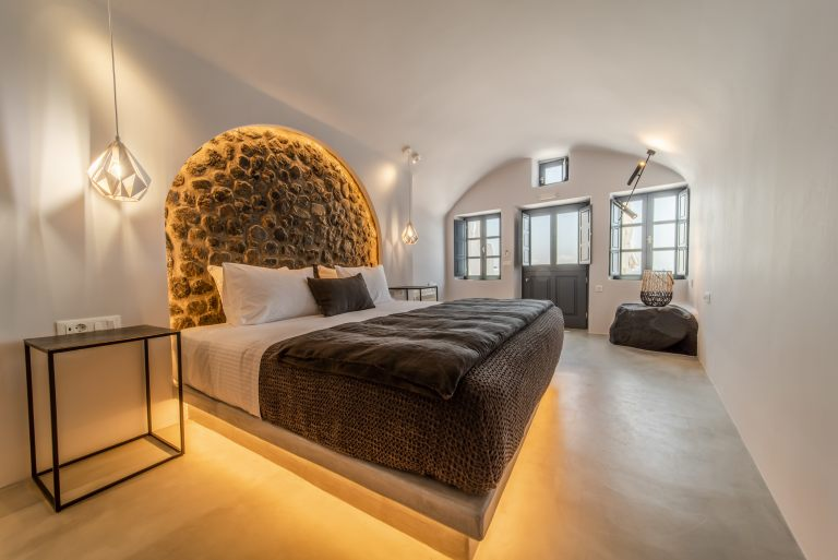 santorini-holidays-luxury-travel-nostos